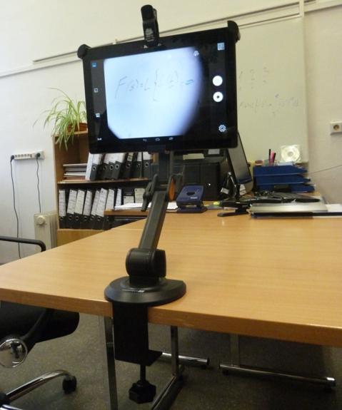 Tablet a teleobjektív - zobrazenie informácie